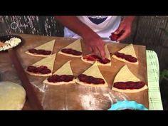 Ízőrzők Kéthely un fel de cornuri-pizza, plăcintă subtire cu 3 umpluturi- YouTube Pizza, Waffles, Mint, Breakfast, Food, Youtube, Morning Coffee, Essen, Waffle
