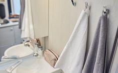 Das neue Lifestyle Wohnmobil Tourne-Mobil 4Dream Mobiles, Bathroom Hooks, Curtains, Shower, Caravan Van, Rain Shower Heads, Blinds, Showers, Draping