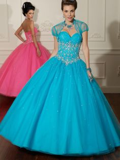 Ball Gown Sweetheart Tulle Floor-length Sleeveless Crystal Detailing Quinceanera Dresses at sweetquinceaneradress.com