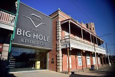 Big Hole, Kimberley, Northern Cape, South Africa   by South African Tourism Diamond Mines, Beautiful Sites, African History, Afrikaans, Countries Of The World, Amazing Places, Kos, Trip Planning, South Africa