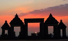 Known as the city of enchantment, Yogyakarta will never let the visitors die in the boredom. The cultural center, the Read more. How Beautiful, Beautiful Places, Stuff To Do, Things To Do, Borobudur, Semarang, Lombok, The Visitors, More Photos