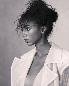 The online portfolio of New York Fashion & Beauty Photographer Lara Jade. Fashion Shoot, Editorial Fashion, Fashion Beauty, Senior Portrait Photography, Senior Portraits, Pallas Couture, Nour, Naeem Khan, New York Fashion