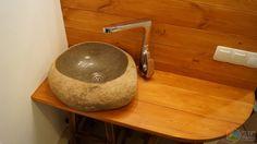 Столешница в ванную, деревянная столешница для ванной, каменная раковина на столешнице