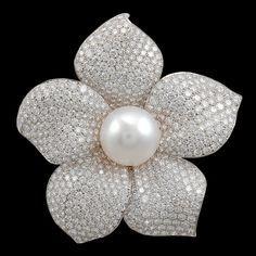 Cartier - simply stunning diamond and pearl flower brooch (=) High Jewelry, Pearl Jewelry, Diamond Jewelry, Vintage Jewelry, Jewelry Accessories, Jewelry Design, Cartier Jewelry, Pearl Brooch, Pearl Flower