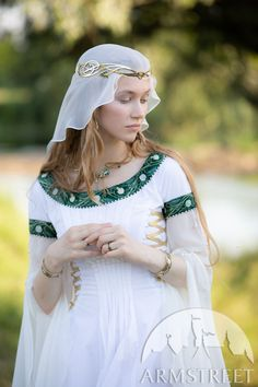 Medieval Jewelry, Medieval Clothing, Medieval Fashion, Larp, Festivals, Elven Queen, Costume Armour, Flowers For Sale, Elfa