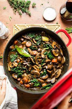 Vegan bourguignon with celeriac mash – Lazy Cat Kitchen – catfood Mushroom Recipes, Veggie Recipes, Whole Food Recipes, Vegetarian Recipes, Healthy Recipes, Vegetarian Stew, Vegetarian Comfort Food, Recipes Dinner, Clean Eating Recipes