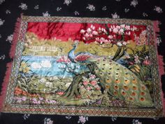 VINTAGE CARPET STYLE LARGE WALL TAPESTRY STUNNING PEACOCK