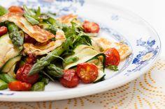 Receita de Salada de Aspargos com Abobrinhas e Tomates Assados, Yotam Ottolenghi
