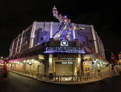 Transformers the Ride 3D   Pinned by Rosen Hotels - Taken by Bryan Frank on Flickr   #florida #universalorlando #universalstudios #orlando #attractions #transformers #transformersride #vacation #travel