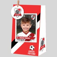Bolsitas personalizadas de river plate / Paper bags Digital River, Silhouette Portrait, Ideas Para Fiestas, Fiesta Party, Some Ideas, Holidays And Events, Baby Shower, Baseball Cards, Halloween