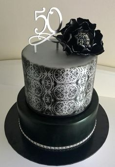 Black and silver with Black Peony - Cake by Rjselwonk