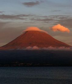 ilha do Pico - Pico Azores. Goregous island, my dad was from