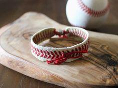 Baseball Bracelet - Life in Left Field Baseball Wreaths, Baseball Crafts, Baseball Mom, Softball Wreath, Baseball Clothes, Baseball Tips, Softball Bows, Softball Bracelet, Softball Jewelry