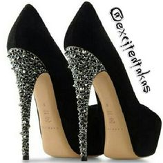 Shoes.Follow me in my TWITTER: @nayviessgarcia y te doy Follow aqui :D
