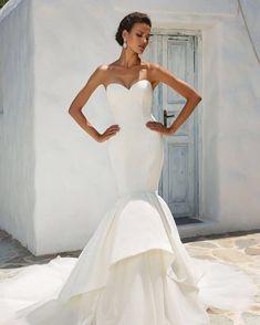 #weddinginspiration #weddingdress #weddingday #white #dress #beauty #happiness #bride #bridetobe #bridemaids #fairytale #ivory #karaververis #karaververisbrides #hautecouture #weddingdressgreece #νυφικο #γαμος #νυφικα #elegant #detailsmatter #elegantwedding #bridalcouture #weddingblog #weddingbling  #weddingtrends #elefsina