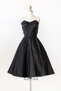 vintage 1950s black taffeta strapless party dress