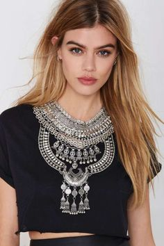 Drama Queen Collar Necklace - Necklaces | Silver | Accessories | All | Back In Stock | Ménage au Mirage