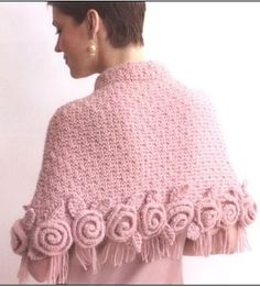 Share Knit and Crochet: Knit Roses Shawl Crochet Poncho, Knitted Shawls, Crochet Scarves, Crochet Clothes, Knit Crochet, Crochet Capas, Knitting Patterns, Crochet Patterns, Crochet Accessories