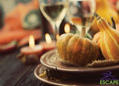 """Friendsgiving"" has all the great food and gratitude of Thanksgiving—and none of the family drama. Here, how to throw an unforgettable Friendsgiving dinner. Thanksgiving Table Settings, Thanksgiving Desserts, Thanksgiving Decorations, Table Decorations, Happy Thanksgiving, Italian Thanksgiving, Thanksgiving Photos, Thanksgiving Sides, Thanksgiving Crafts"