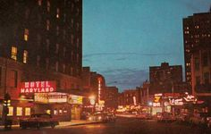POSTCARD – CHICAGO – RUSH STREET – DUSK – HOTEL MARYLAND – SIGNS FOR RESTAURANTS – 1950s | CHUCKMAN'S PHOTOS ON WORDPRESS: CHICAGO NOSTALGIA AND MEMORABILIA Chicago Photos, Dusk, Old Photos, Maryland, Skyscraper, 1950s, Restaurants, Nostalgia, Wordpress