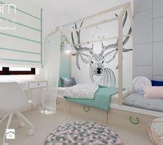 Aranżacje wnętrz - Pokój dziecka: Dziewczęce pokoje - Mały pokój dziecka, styl skandynawski - ROOM STUDIO. Przeglądaj, dodawaj i zapisuj najlepsze zdjęcia, pomysły i inspiracje designerskie. W bazie mamy już prawie milion fotografii!