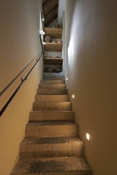 Trap gemaakt met antieke Arduinen traptreden