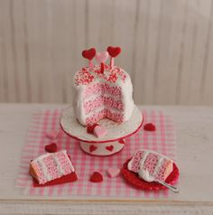 Miniature Valentine Cake  by LittleThingsByAnna
