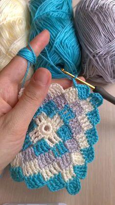 Crochet Blocks, Granny Square Crochet Pattern, Crochet Stitches Patterns, Crochet Squares, Crochet Designs, Knitting Patterns, Crochet Amigurumi, C2c Crochet, Crochet Videos