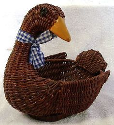 "Vintage Baskets--woven Wicker Basket Duck-bird-animal--8"" Long--very Nice !"