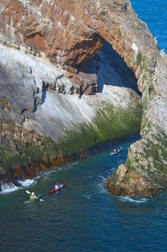 Sea Kayaking the Bow Fiddle in Scotland by Damian Connell, via 500px How cool is this!