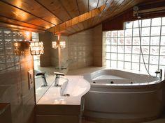 bathroom in-suite