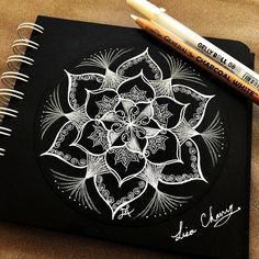 No photo description available. Flower Pattern Drawing, Jewellery Design Sketches, Zendala, Doodle Art, Black Paper Drawing, Zentangle Drawings, Scratchboard Art, Mandala Design Pattern, Amazing Drawings