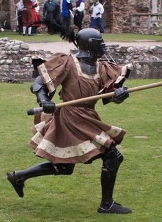 Found on fb, it wouldn't let me pin it there Medieval Knight, Medieval Armor, Medieval Fantasy, Sca Armor, Knight Armor, Armadura Medieval, Armor Clothing, Medieval Clothing, Renaissance