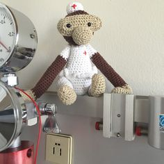 En sød pige kontaktede mig, og spurgte om jeg ikke lige kunne lave en Kay Bojesen abe som sygeplejeske. Hendes veninde bliver snart sygep...