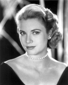 One of my favorite Actresses from Old Hollywood! Grace Kelly!