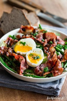 Salade Frisée aux Haricots Verts, Oeuf Mollet et Bacon - Food for Love