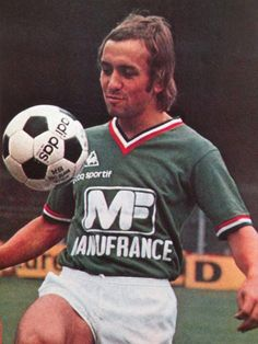 ANFRE' BARTHELEMY 1977-78 e 1979-80 SAINT ETIENNE Saint Etienne, Soccer Ball, Baseball Cards, Sports, Photos, Soccer Players, Hs Sports, Pictures, European Football