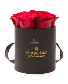 Cutie eleganta cu flori proaspete! Alege azi o cutie cadou pentru mediul corporate, aranjamente florale cadou!