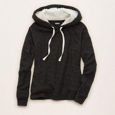 Aerie Cozy Popover Hoodie ($40) ❤ liked on Polyvore featuring tops, hoodies, true black, hoodie top, black hoodie, sweatshirt hoodies, aerie top and hooded sweatshirt