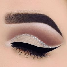 make up guide Nude eye make-up and silver glitter detail More make up glitter;make up brushes guide;make up samples; Makeup Goals, Makeup Inspo, Makeup Inspiration, Makeup Tips, Beauty Makeup, Makeup Ideas, Makeup Products, Beauty Products, Makeup Tutorials