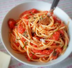 Spaghetti with Tomatoes, Garlic Butter, Basil and Cheese