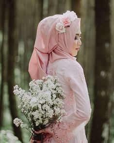 Muslim Wedding Dresses With Sleeves And Hijabs-Muslim Tour Travel Muslimah Wedding Dress, Hijab Style Dress, Muslim Wedding Dresses, Muslim Brides, Ceremony Dresses, Muslim Girls, Bridal Dresses, Bridal Hijab, Hijab Bride