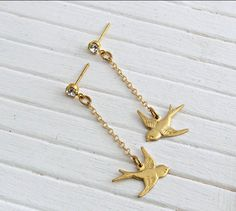 Gold Bird Earrings .. bird earrings, chain earrings, dangle earrings, long earrings by beadishdelight on Etsy