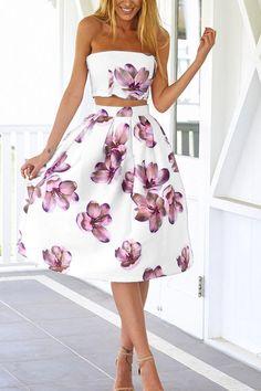 Esta belleza vestido totalmente midi es muy fresco y garantiza partido perfección. Está adornado con el pecho envuelto atractivo, sin mangas, estampado floral, de nuevo diseño cremallera en la espalda. Nos encanta estar con tacones de tiras