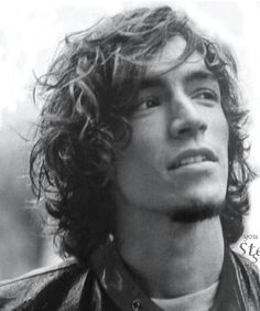 Brandon Boyd-Incubus. Voice like silk, he's got brains to match and he's pretty too.