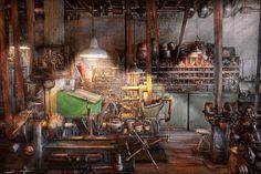 Workshop Art - Machinist - It all starts with a Journeyman by Mike Savad Workshop Layout, Workshop Studio, Workshop Design, Workshop Ideas, Antique Tools, Old Tools, Vintage Tools, Workshop Cabinets, Garage Workshop Organization
