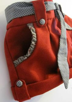 "THE ""D"" DAY - UNE ROSE SUR LA LUNE = cute waist and pocket idea"