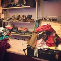 Vintage Shopping! #bologna - Instagram by @blackdotswhitespots