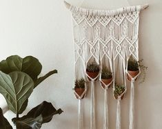 Items op Etsy die op Plant Hanger, crochet lijken Plant Hanger, Crochet, Plants, Etsy, Vintage, Home Decor, Decoration Home, Room Decor, Ganchillo