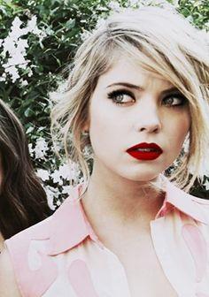 classic makeup - Ashley Benson